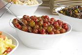 Salada de tomate de xerez com azeite de oliva, gergelim e ervas — Foto Stock