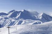夜のスキー リゾートを見る — ストック写真