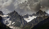 High mountains in clouds — Stockfoto