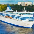 Big cruise liner in harbor of Stockholm, Sweden — Foto Stock