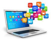 Computer mobiliteit en cloud computing concept — Stockfoto