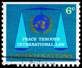 UNITED NATIONS - CIRCA 1969 Emblem and Scales — Stock Photo