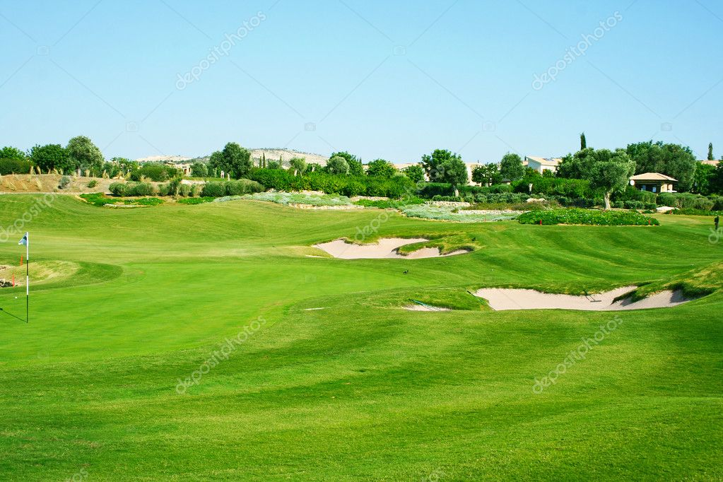 Golf field in Cyprus mountain village. — Stock fotografie #10747165