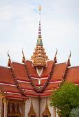 仏教寺院のファサード。タイ ワット ・ シャロン. — ストック写真