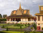 Богато украшенные здания в Камбодже Королевский дворец — Стоковое фото