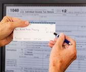 USA tax form 1040 for year 2012 and check — Foto Stock