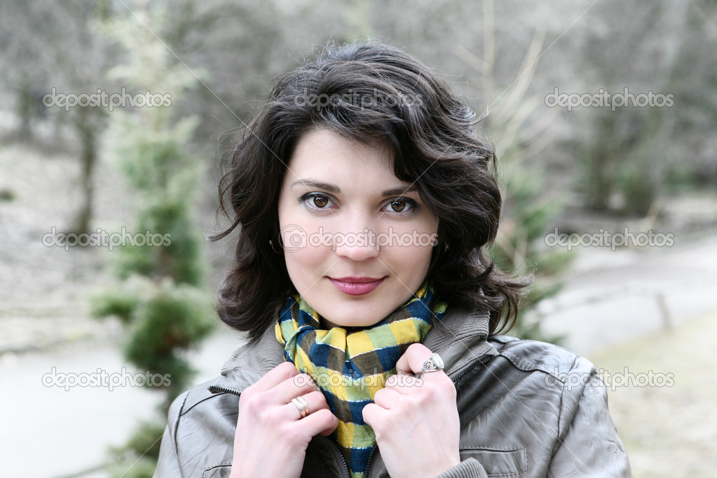 Outdoor portrait of young woman.  Stok fotoraf #11010744