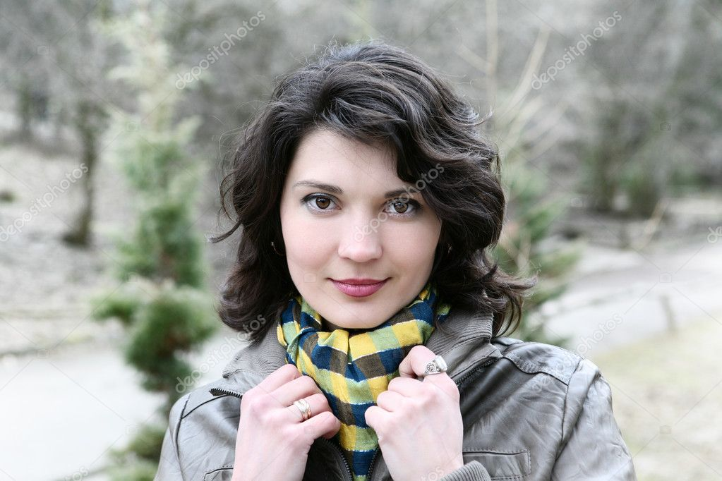 Outdoor portrait of young woman.  Stockfoto #11010744