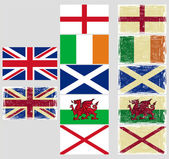 Great Britain flags. Grunge effect can be cleaned easily. — Vecteur