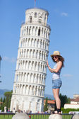 Young Girl with Leaning Tower of Pisa — Stok fotoğraf