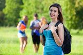 Joven estudiante en el parque — Foto de Stock