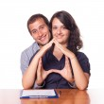 快乐年轻夫妇买房子 — 图库照片