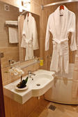 Bath room in the hotel — Stockfoto