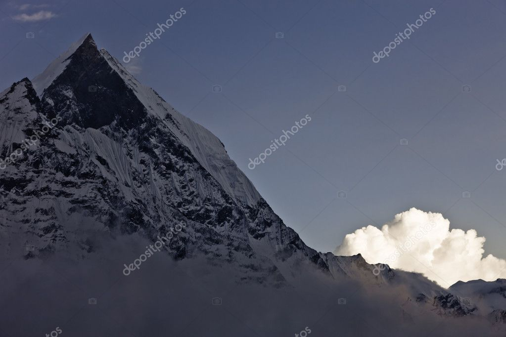 Night at high altitude place in the Himalayas — Stock Photo #11120087