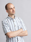 Young man looking away — Stock Photo