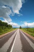 Straße in semgallen, lettland. — Stockfoto