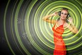 Portrét mladé ženy se sluchátky — Stock fotografie