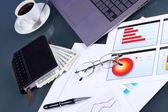 職場でのビジネス ペーパー — ストック写真