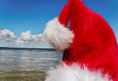 Santa na světlé moře. — Stock fotografie