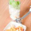 Preparing healthy smoothie drink — Stock Photo