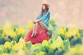 Kunst collage met mooie jonge vrouw — Stockfoto