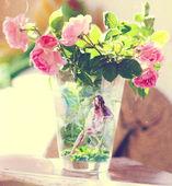 Bunch of roses in vase — Stock Photo