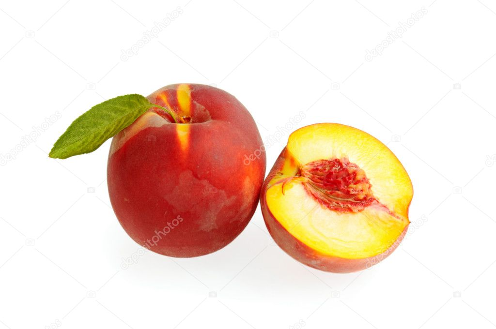 Fresh ripe peach with leaf and section isolated on white — Stock Photo #11461883