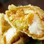 Tempura Maki Sushi - Roll made of Smoked Salmon — Stock Photo #12035572