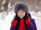 Portrait of woman in winter — Stockfoto