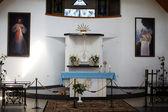 Altaret i kapellet i fält av suodziai byn. litauen — Stockfoto