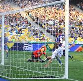 Football game between FC Dynamo Kyiv and FC Tavriya — Stock Photo