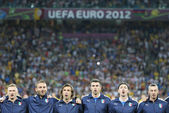 Italy football team players sing the national hymn — Stock Photo