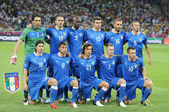 Italy national football team pose for a group photo — Stock Photo