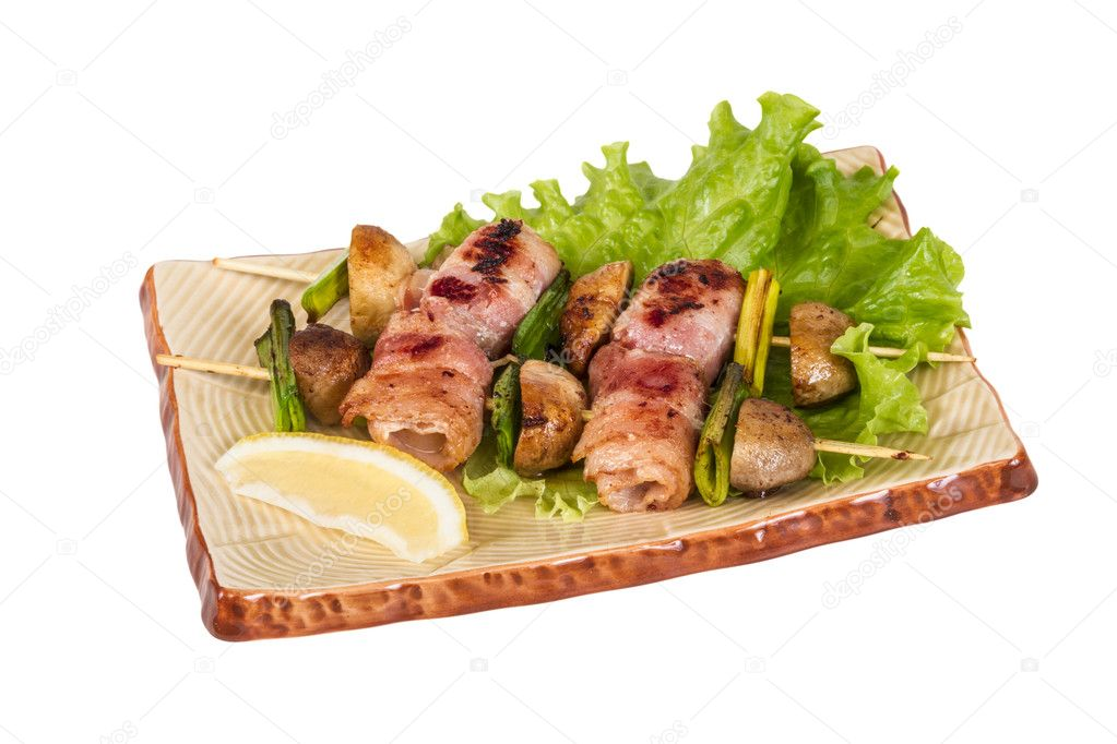 Bacon wrapped grilled Scallops with mushrooms and bacon — Stock fotografie #11142747