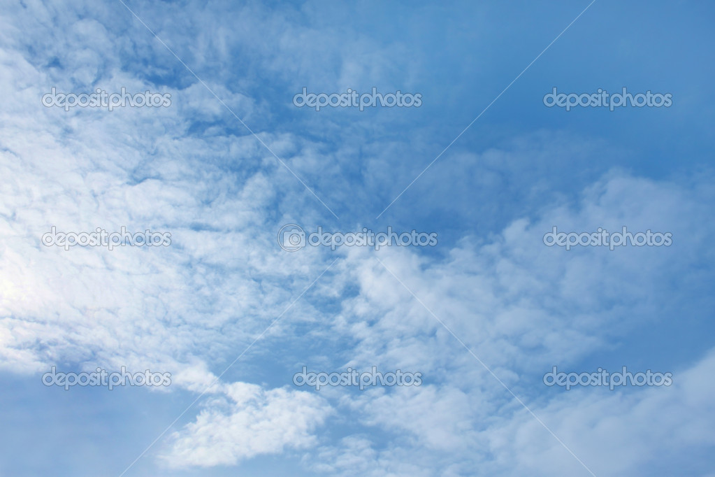 Blue sky with white clouds — Stock Photo #11640342