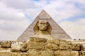Sphinx and the Great Pyramid — Stok fotoğraf