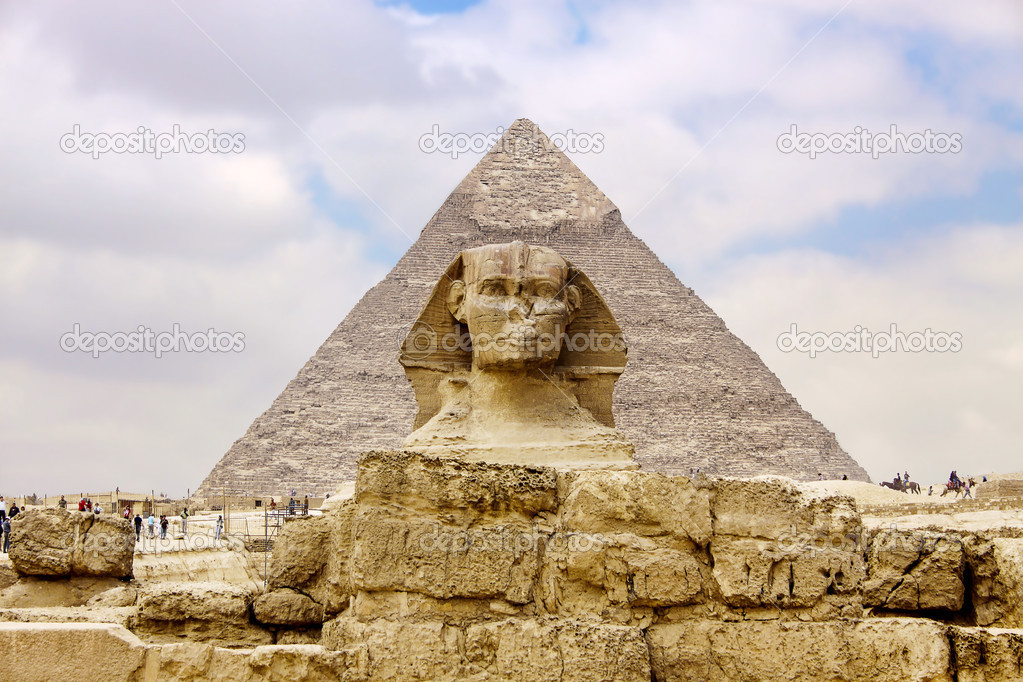 Sphinx and the Great Pyramid in the Egypt — Stock Photo #11328367