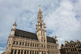 Town hall in Brussels against the blue sky — Stock Photo