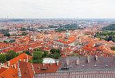 Vista dei quartieri storici di praga da una piattaforma di osservazione — Foto Stock