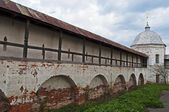 The inner wall of ancient russian monastery — Stock Photo