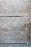 Antik metal kapı — Stok fotoğraf