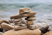 Inuksuk or Inkukshuk on the Huron lakeshore — Stock Photo