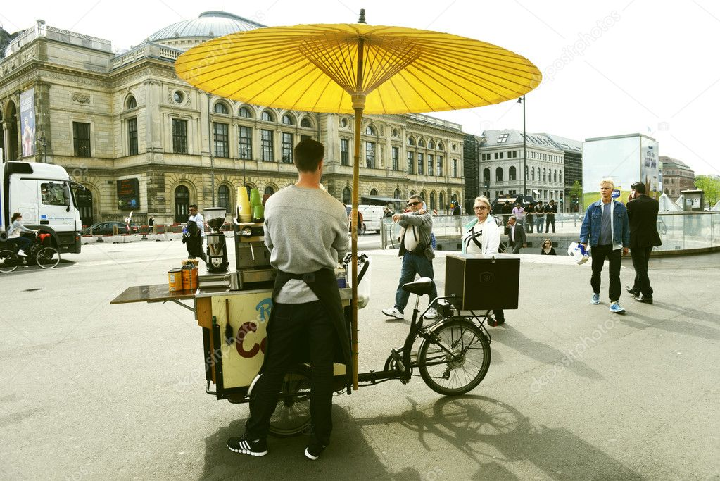 Mobile coffee booth in Copenhagen, Denmark. Taken on May 2012 — Stock Photo #10938846