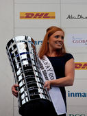 Galway Rose, Anna de Paor holding the Volvo Ocean Race trophy — Stock Photo