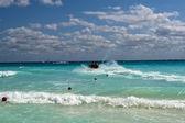 Morning waves at Caribbean sea — Stock Photo