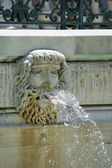 Marble House - house of Alva Vanderbilt Heads with water coming — Foto de Stock