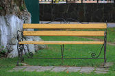 Empty bench — Stockfoto