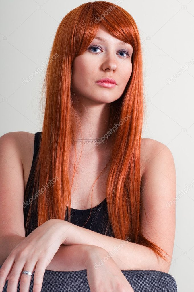 Fashion photo of beautiful woman with magnificent hair. Studio portrait — Stock Photo #11082165