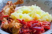 Mashed potatoes with chicken — Стоковое фото