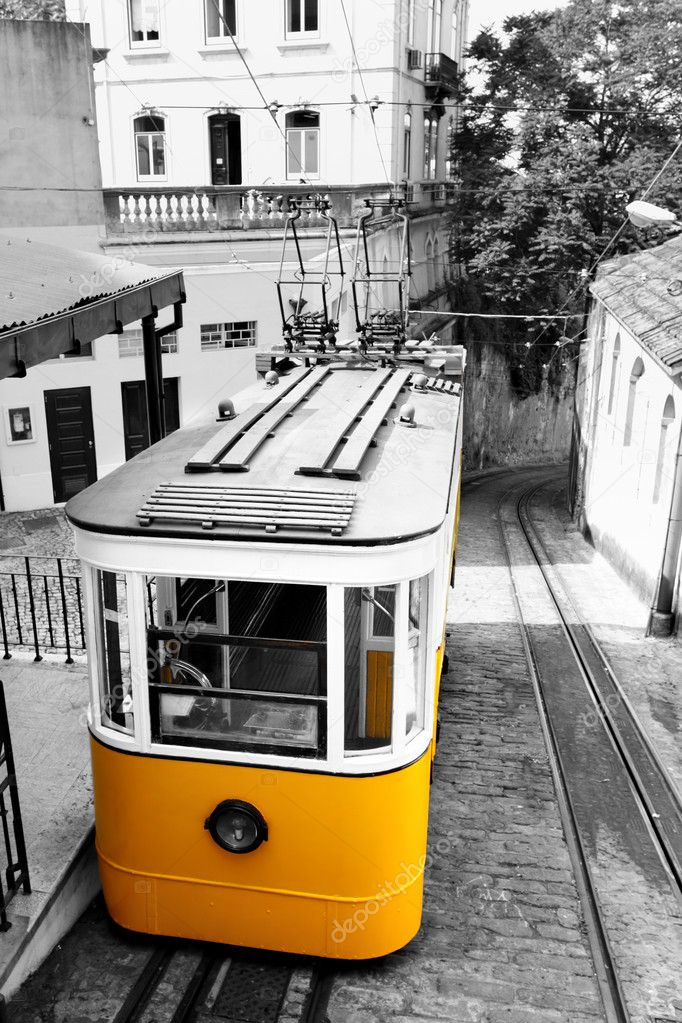 Funicular (Elevador do Lavra) in Lisbon, Portugal — Stock Photo #10856004